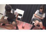 おしっこガマン極限対決 女子校生とOLのお漏らし勝負3